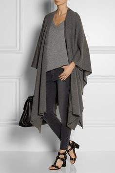 the perfect cashmere wrap for travel!