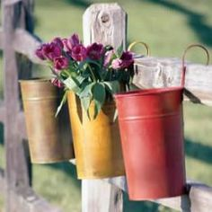 cute way to decorate a fence.