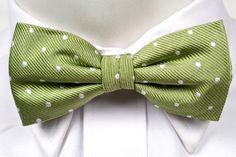 Self tie bow tie from Tieroom, Notch MILLIAM, light green base, white dots Notch