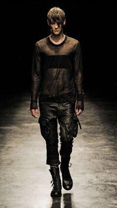 All black. oh how I love mesh/fishnet material. Dark Fashion, Minimal Fashion, Leather Fashion, Mens Fashion, Fashion Outfits, Gothic Fashion, Vintage Fashion, Techno, Fashion Details