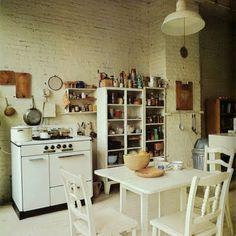 70s dream kitchen.