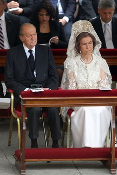 King Juan Carlos and Queen Sofia of Spain attend the Canonization Mass in which John Paul II and John XXIII are to be declared saints on April 27, 2014 in Vatican City, Vatican.  - Zimbio