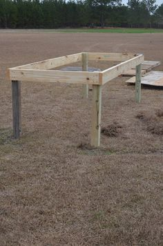 *Random Thoughts of a SUPERMOM!*: Pallet Chicken Coop: Part One