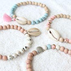 Make the nicest bracelets with new, beautiful jade beads Shell Bracelet, Shell Jewelry, Cute Jewelry, Bracelet Making, Body Jewelry, Beaded Jewelry, Jewelry Accessories, Jewelry Design, Women Jewelry