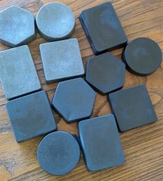How to Make Bamboo Charcoal Soap (Recipe with Pictures) - Home Made Soap Charcoal Soap, Activated Charcoal, Do It Yourself Wedding, Homemade Soap Recipes, Glycerin Soap, Castile Soap, Handmade Soaps, Diy Soaps, Cold Process Soap