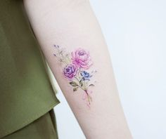 80 gorgeous watercolor floral tattoo designs for women - pag Sweet Tattoos, Pretty Tattoos, Mini Tattoos, Foot Tattoos, Cute Tattoos, Unique Tattoos, Body Art Tattoos, Small Tattoos, Tatoos