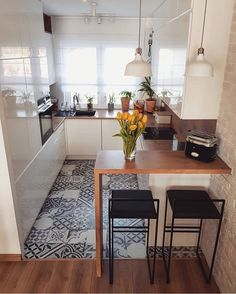 Home Decor - Beautiful Decoration Design Ideas For Small Kitchen Apartment Kitchen, Home Decor Kitchen, Interior Design Kitchen, Room Interior, Kitchen Ideas, Cute Kitchen, Beautiful Kitchen, Small House Design, Küchen Design