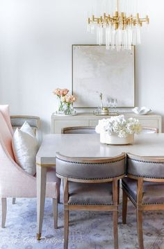 Dining room neutral side chairs blush end chair Luxury Dining Room, Dining Room Design, Dining Room Furniture, Room Chairs, Dining Chairs, Side Chairs, Neutral Dining Rooms, Design Table, Plywood Furniture