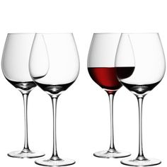 WINE red wine glass x 4 Tall-stemmed, these handmade red wine glasses certainly have a commanding presence on the table. Each set of four glasses is wrapped in LSA International tissue and gift boxed in photographic packaging. Wedding Wine Glasses, Red Wine Glasses, Barolo Wine, Wine News, Wine Sale, Wine Glass Set, Clear Glass, Wine Collection, California Wine