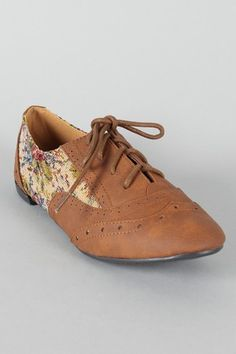 Floral oxford flat