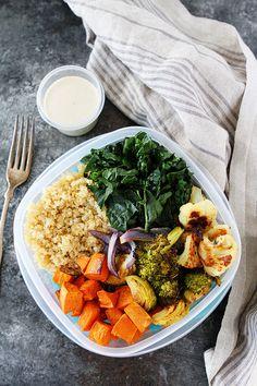 Roasted Vegetable Quinoa Bowls are easy to meal prep! Make on Sunday and eat all week! #vegan #vegetarian #glutenfree #mealprep #healthyrecipe