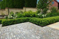Driveway Garden Design - Double Scribble