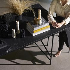 From the massive Dining Table 230 to the critically acclaimed Desk in black marble, all HANDVÄRK tables are meticulously designed in Denmark and characterized by aesthetic sustainability: a timeless object in a quality that lasts a lifetime. Tile Top Tables, Marble Top Dining Table, Modern Dining Table, Marble Furniture, Italian Marble, Black Marble, Steel Frame, Hani, Flat