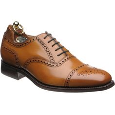 Herring Moorgate is a semi brogue style made with the full welted construction on a rubber stud sole for durability.