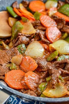 Mouthwatering Satay Beef and Vegetables - the perfect dish for your Low Syn Chinese Fakeaway. Slimming World and Weight Watchers friendly Roast Beef Recipes, Easy Meat Recipes, Dairy Free Recipes, Diet Recipes, Healthy Recipes, Gluten Free, Healthy Food, Frugal Recipes, Diet Meals