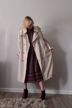 Vintage Womens Belted Trench Coat Jacket - Classic Vintage Trench - Trenchcoat - Vintage Womens Fashion - Khaki Long Jacket - USA Union Made Workers Union, Union Made, Long Jackets, Belts For Women, Trench, Vintage Ladies, Duster Coat, Usa, Lady