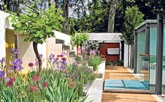 The Telegraph's 1997 Chelsea Flower Show garden launched a new era of   Modernist gardens