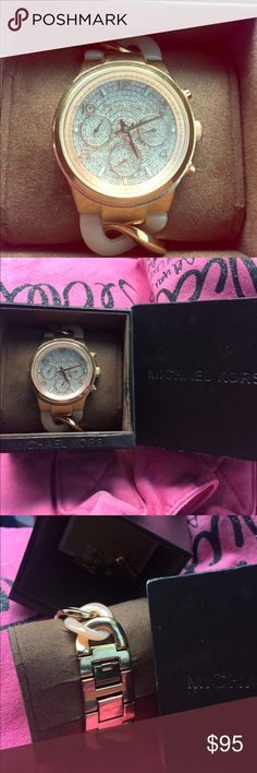 Michael Kors Rose Gold Chain Bracelet-Watch Gently used Michael Kors Rose Gold Chain Bracelet-Watch with original box and links.   *Open to reasonable offers* ***NO TRADES*** Michael Kors Accessories Watches