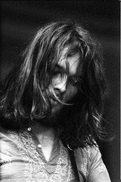 David Gilmour - Pink Floyd at Leeds University Concert (February Axl Rose, Kurt Cobain, Musica Punk, David Gilmour Pink Floyd, Richard Wright, Psychedelic Music, Best Guitarist, We Will Rock You, Roger Waters