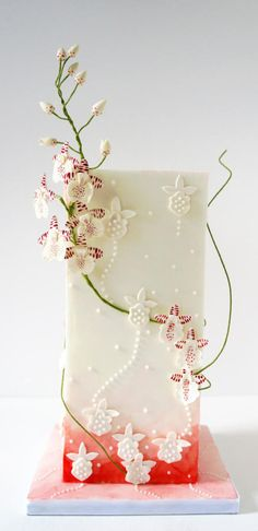 Modern Wedding Cake by Enrique - http://cakesdecor.com/cakes/212758-modern-wedding-cake