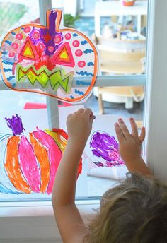 Simple+Halloween+Art+Activity+for+Kids+-+Pumpkin+Suncatchers