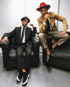 Detectives Sellanes x Vigevani company ⏳ Detective, Youtubers, Hipster, Poses, Instagram, Style, Ideas, Fashion, Girls