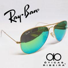 As lentes espelhadas na cor verde são ótimas para a exposição ao sol, pois elas absorvem mais os raios solares, sendo mais confortáveis para a nossa visão! Um bom exemplo de lentes espelhadas na cor verde é este modelo Aviador da Ray Ban, um dos óculos mais desejados atualmente! Um acessório imperdível!  (Fonte Ray Ban)