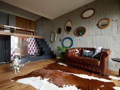 Com apenas 50 metros quadrados, o KC design studio teve que exercitar muito a criatividade no projeto deste apartamento, concebido especialmente para duas