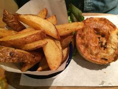 Eating in Edinburgh, breakfast, lunch & dinner - six out of ten - pie, twice cooked chips and bacon cocktails