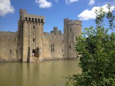 Bodiam Castle Bodiam Castle, East Sussex, Road Trip, Mansions, House Styles, Summer, Summer Time, Manor Houses, Road Trips