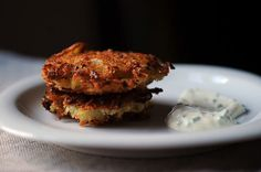 Everyone is buzzing about the Thanksgiving/- Golden Hanukah merger this year -- perhaps this is a good addition to the Thanksgiving table Panko Latkes with Sour Cream and Chives by Food 52 Potato Latkes, Potato Pancakes, Breakfast Pancakes, Breakfast Casserole, Mushroom Barley Soup, Matzo Meal, Yummy Food, Tasty, Delicious Meals