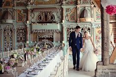 OMG, so beautiful! Vintage Carousel wedding