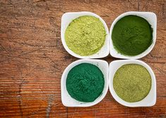 Spirulina is an algae that today is consumed as a nutritional supplement or superfood. Do you want to know how and when to take spirulina? Go Green, Superfoods, Health And Wellbeing, Health Benefits, Joe Cross Juicing, Natural Hair Care Tips, Protein Supplements, Greens Recipe, Health Products