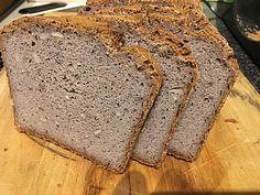 Veganes, glutenfreies Buchweizenbrot mit Nüssen und Samen, ein schönes Rezept aus der Kategorie Frühstück. Bewertungen: 21. Durchschnitt: Ø 4,0.