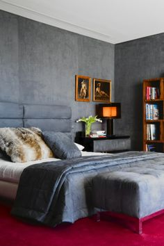Lorenzo Castillo: soft bluish gray bedroom with bold pink carpet for contrast--legs of ottoman seem to match carpet with reflection: master inspiration Small Room Bedroom, Home Bedroom, Bedroom Wall, Bedroom Decor, Gray Bedroom, Bedroom Lamps, Wall Lamps, Bedroom Lighting, Small Rooms