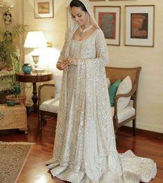 Pakistani bridal by Bunto Kazmi. Not Indian. Pakistani Bridal Couture, Pakistani Wedding Outfits, Bridal Outfits, Bridal Lehenga, Pakistani Dresses, Indian Dresses, Bridal Gowns, Wedding Gowns, Asian Wedding Dress