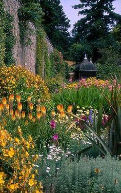 Bodnant Garden, Tal-y-Cafn, Nr Colwyn Bay, Conwy, LL28 5RE, Wales