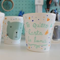 Taza Oh Situ Mugs Cafe, Pretty Mugs, Painted Plates, Mug Designs, Diy Gifts, Decoupage, Coffee Mugs, Pottery, Drawings