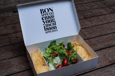 I love this stylish food packaging for club, restaurant and bar Trafiq created by Kiss Miklos as part of a complete interior and identity overhaul. Via: The Dieline Salad Packaging, Sandwich Packaging, Takeaway Packaging, Food Packaging Design, Burger Bar, Food Truck, Salad Box, Kebab, Food Design