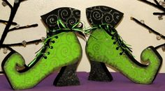 Pair of Hand Painted Wooden Halloween Witch Boots Shoes - Green Halloween 20, Halloween Cards, Holidays Halloween, Halloween Decorations, Halloween Costumes, Fall Crafts, Holiday Crafts, Holiday Ideas, Felt Baby Shoes
