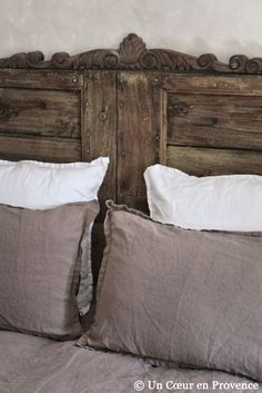 Love the headboard! IDEA - USE PALLETS TO MAKE HEADBOARD AND TOP WITH DETAILS SUCH AS THIS. WE HAVE SCALLOPED EDGING RIGHT NOW THAT WOULD WRK.