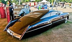 Cadzzilla: a custom hot rod built by coachbuilder Boyd Coddington and designed by Larry Ericson. The base car is a 1948 Cadillac Series 62 Sedanette, customized for Billy Gibbons of ZZ Top. Cadillac Ats, Cadillac Eldorado, Vintage Cars, Antique Cars, Roadster, Hot Rides, Amazing Cars, Amazing Things, Car Car