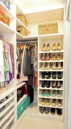 Closet Pequeno Quartos Casal Ideas For 2020 Walk In Closet Small, Walk In Closet Design, Bedroom Closet Design, Master Bedroom Closet, Small Closets, Closet Designs, Dream Closets, Master Bedrooms, Master Bath