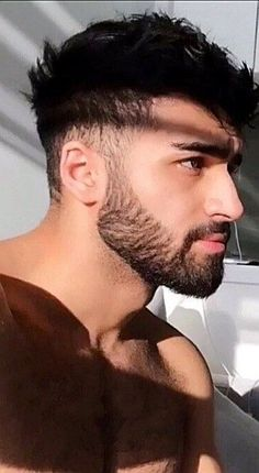 Hairy Hunks, Hairy Men, Bearded Men, Hot Hunks, Mens Hairstyles With Beard, Hair And Beard Styles, Beautiful Men Faces, Gorgeous Men, Gym Guys