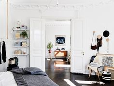 Black floors - COCO LAPINE DESIGN