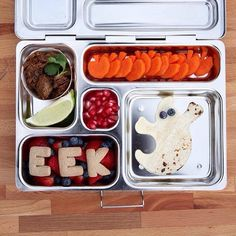 Prepping lunch for your kids doesn't have to be so scary! PlanetBox makes it easy! We love this Halloween-themed lunch from @lunchboxparade! #halloween #spooky #spoopy #planetbox #lunchbox #teamplanetbox #planetboxlunch #lunchboxlove #schoollunch #healt