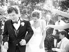 30 Wedding Send-offs and Exits....we ♥ this! moncheribridals.com