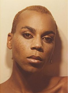 Rupaul, all natural Drag Racing Quotes, Formation Photo, Rupaul Drag Queen, Club Kids, Drag Queens, Celebs, Celebrities, Freckles, Pretty People