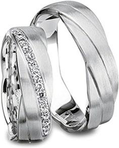 http://www.since1910.com/furrer-jacot-712806000-magiques-mens-wedding-band
