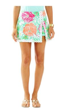 The Lenore Skort is a printed skort with visible shorts. This on trend skort will hit at your natural waist is was designed in this season's hottest spring prints.